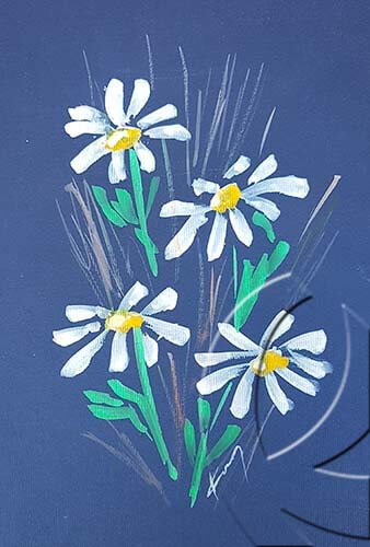 019321 four daisies on blue paper